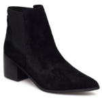 pointy chelsea boots